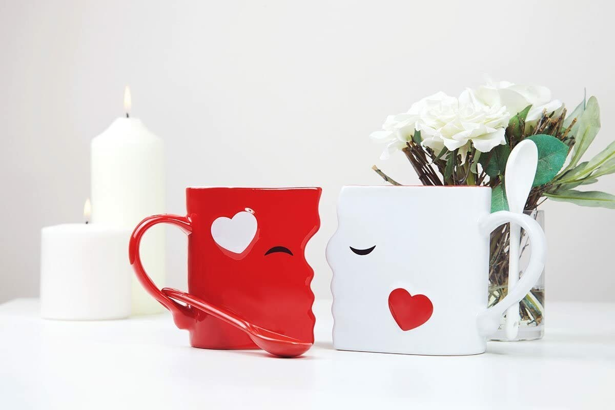 The Kissing Mugs